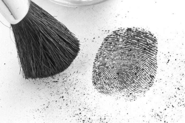 fingerprint dusting